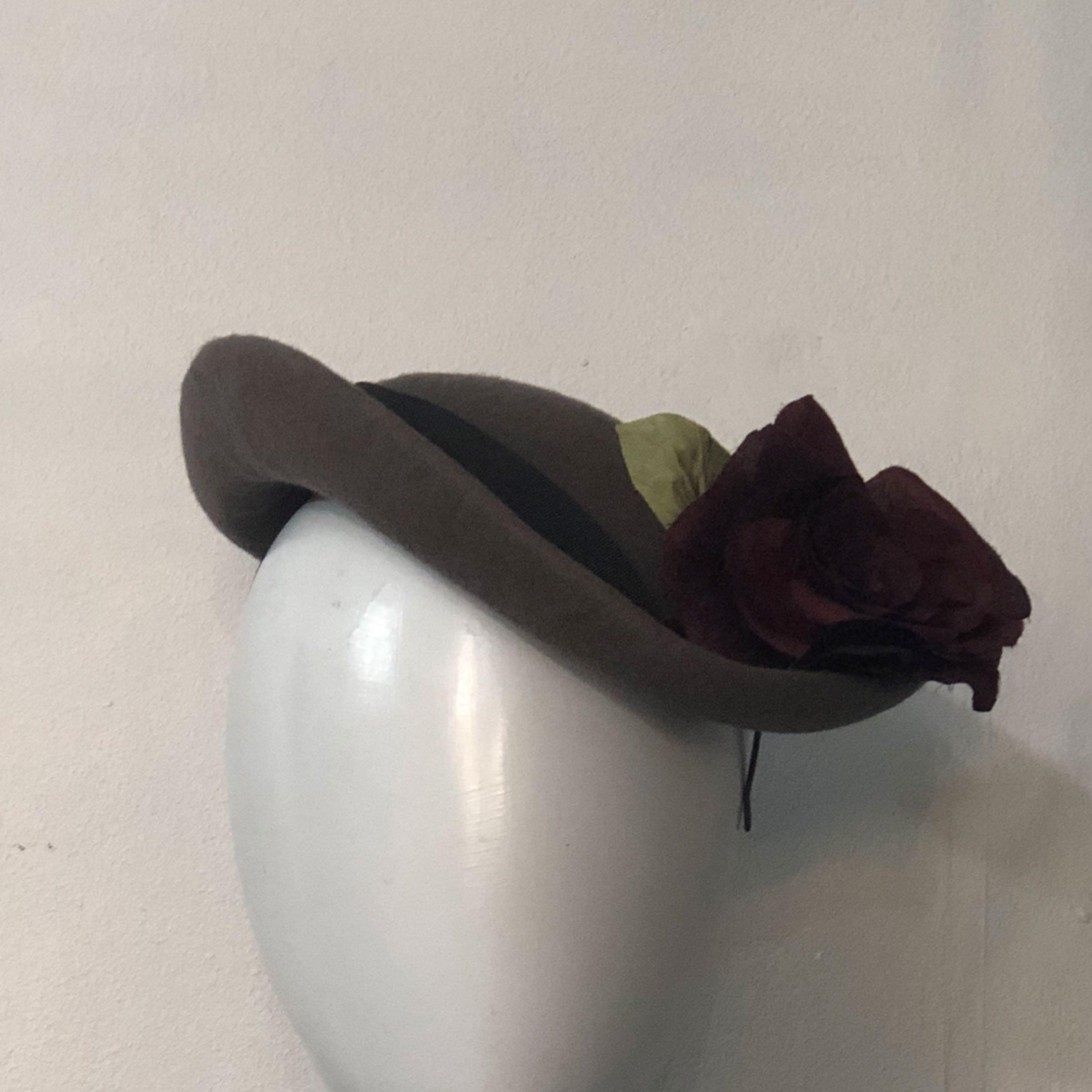 Grey rose percher
