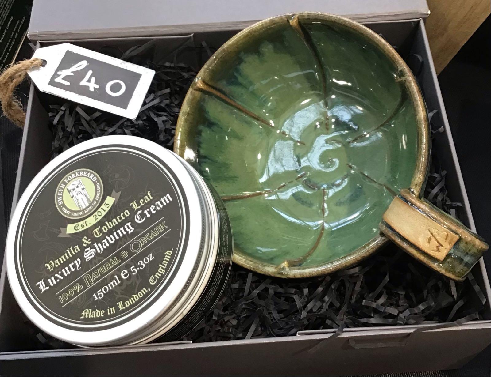 Shaving mug & shaving cream gift box
