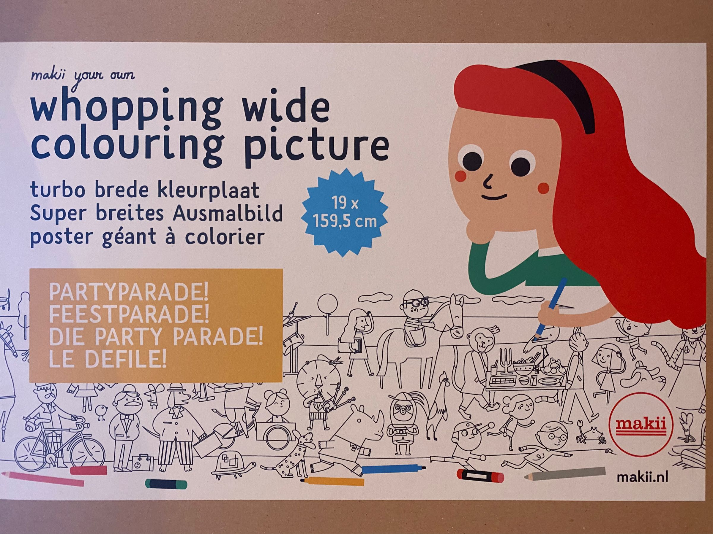 Makii - whopping wide colouring picture- party parade