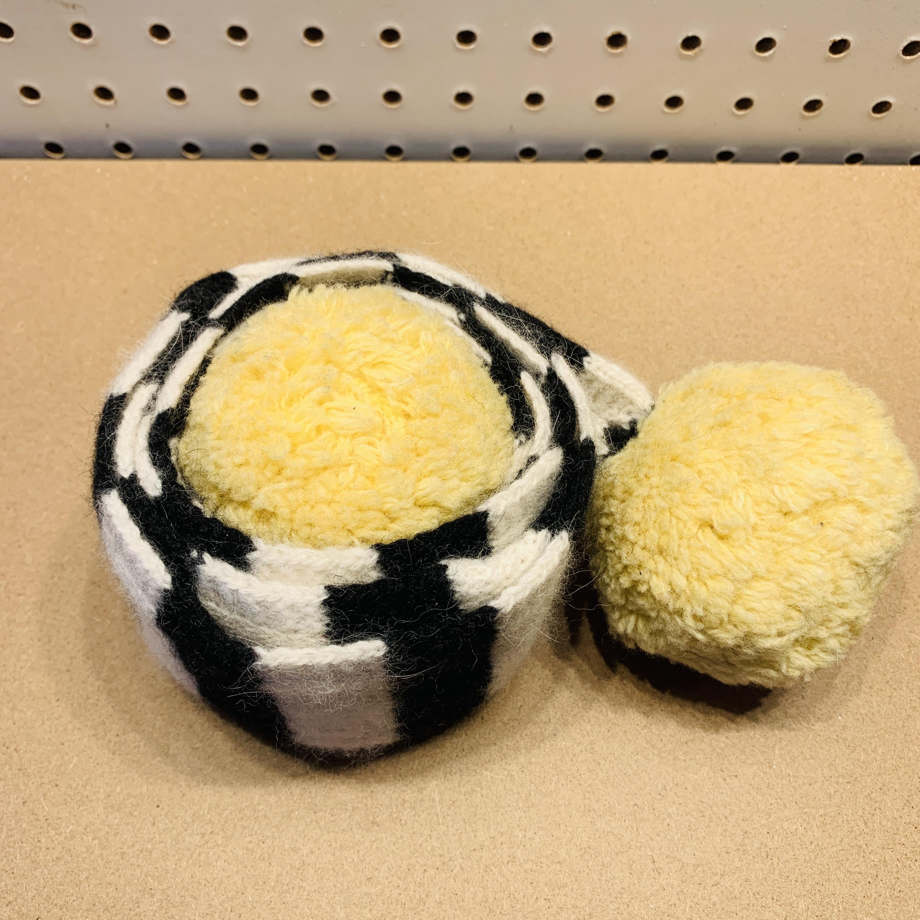 Loli Knit - Pompom Scarf
