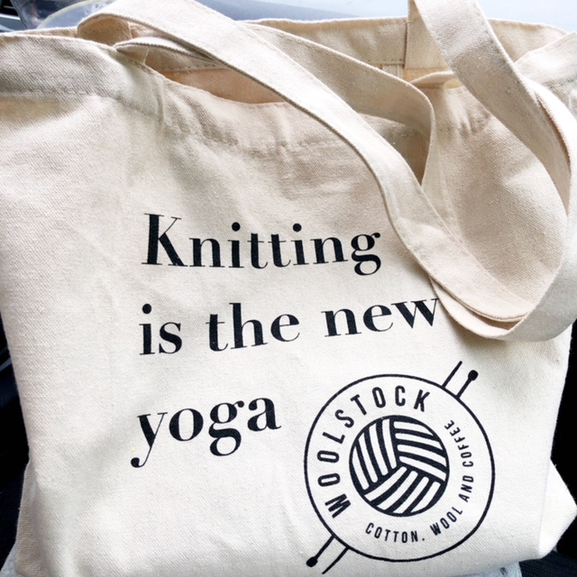 "Mulepose ""Knitting is the new yoga"""