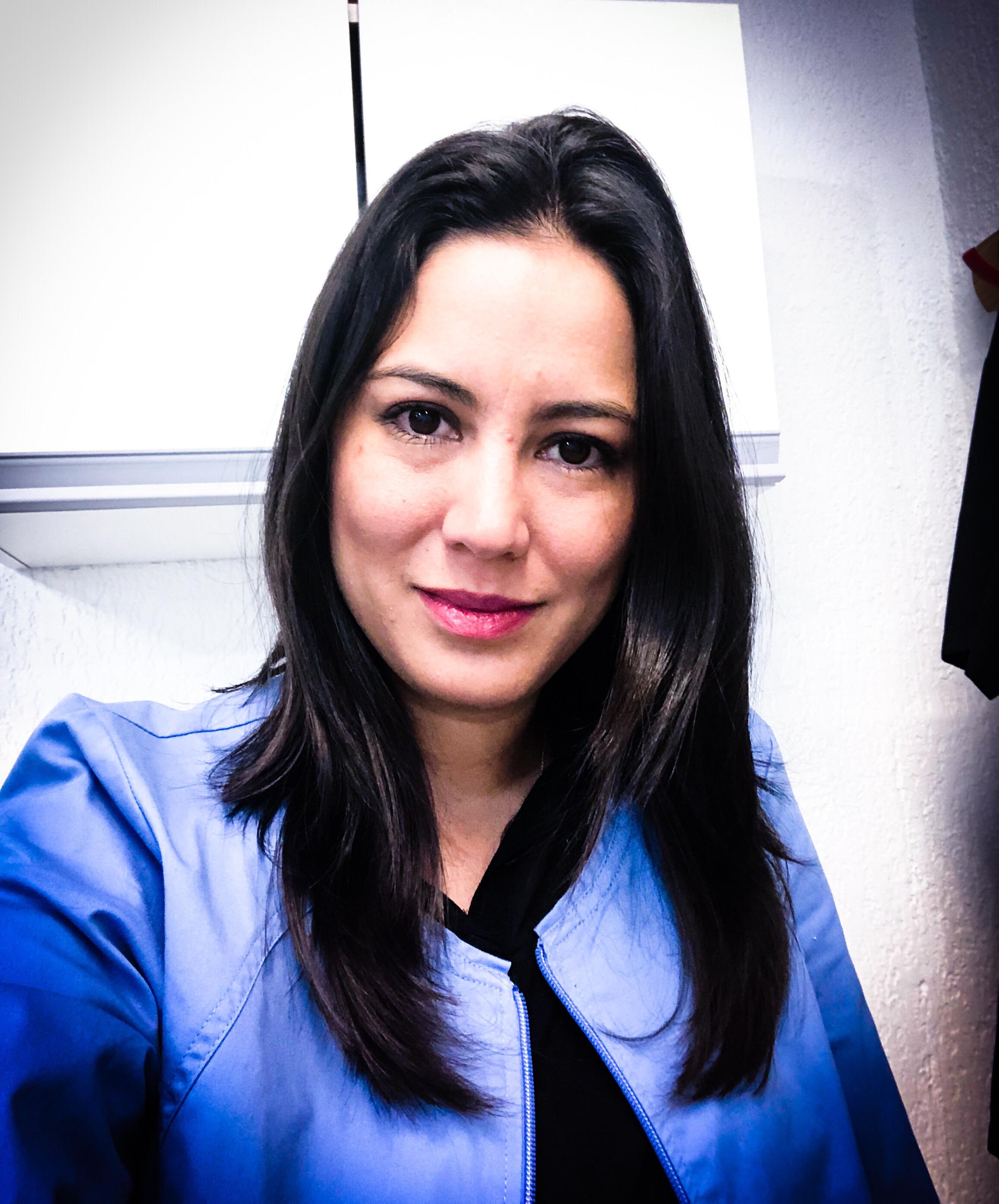 Dra.  Gabriela Morales. Ortopedista Pediatra y adultos