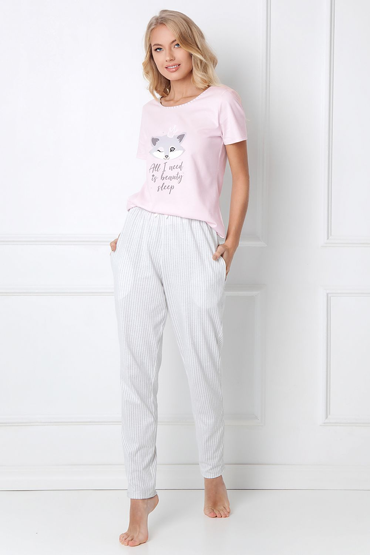 Pyjamas dam i tre olika modeller