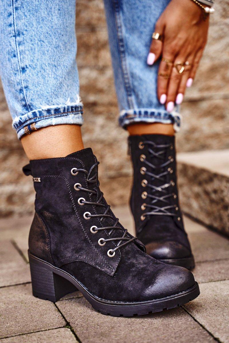 Black Vertigo boots