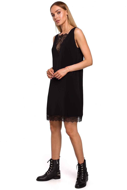 Ärmlös Svart klänning med djup spets