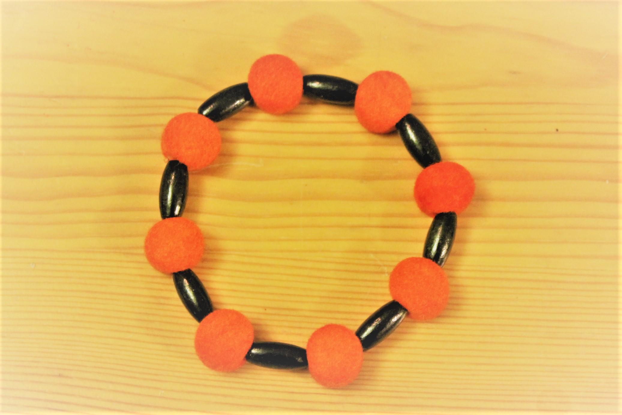 Felt bracelet orange