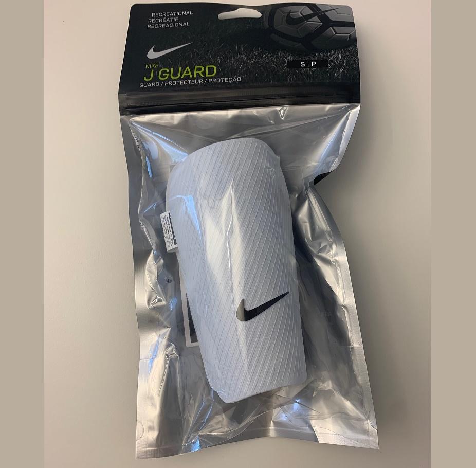 Benskydd Nike (ca 6-9 år)