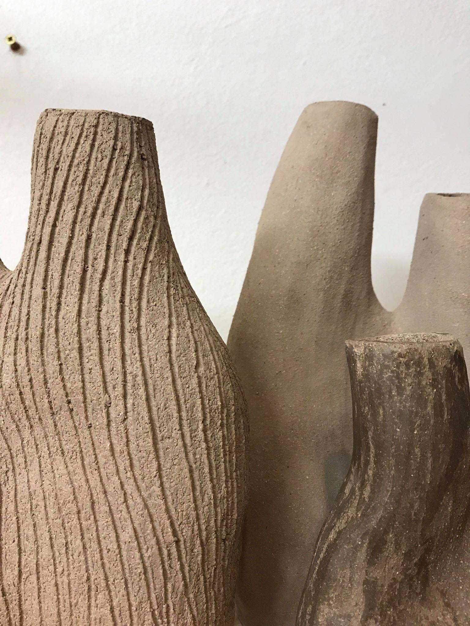 Skulptur/vas liten sandfärgad