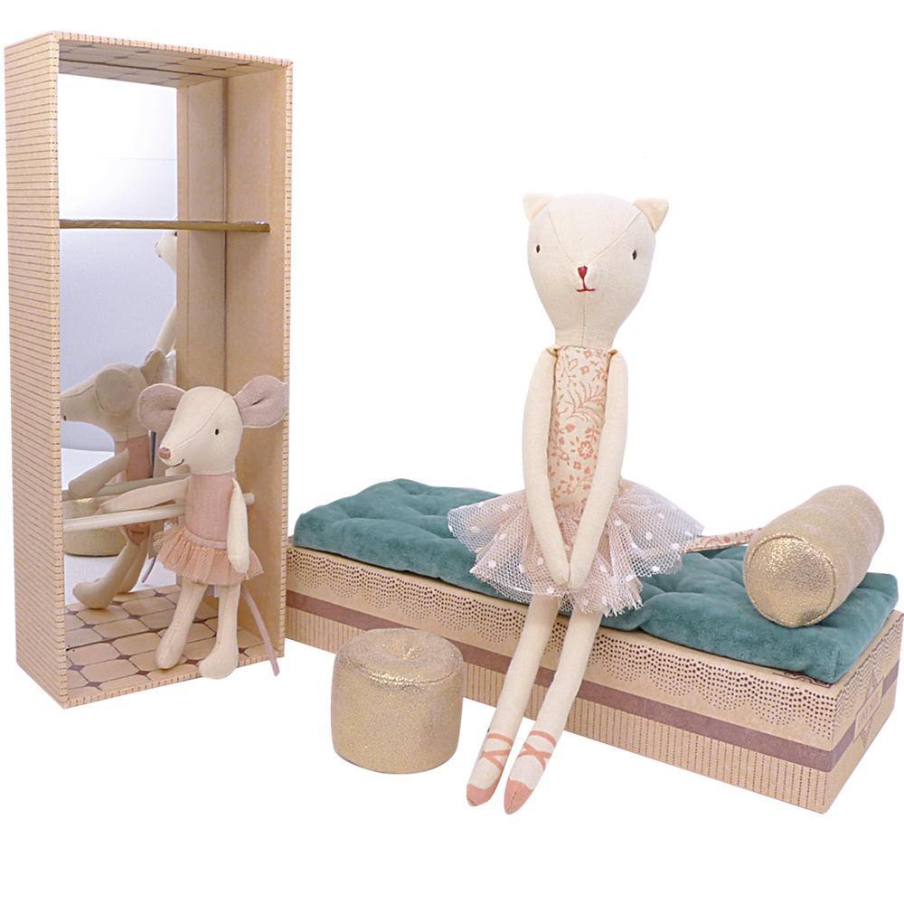 Maileg, kissa ja hiiri kenkälaatikossa