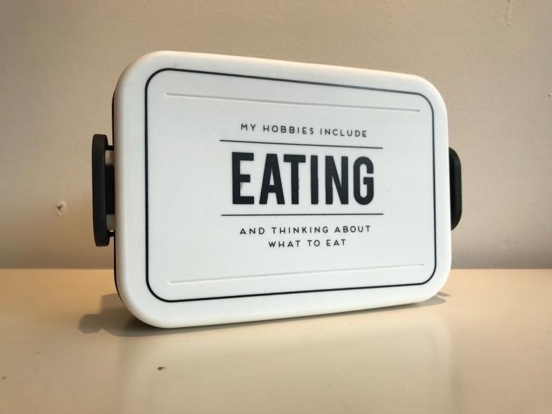 Alice&Scott Lunch Box Eating