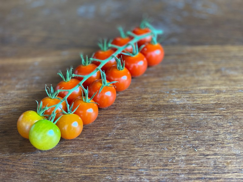 Drew's of Worcester - Cherry Vine Tomatoes (150g approx)
