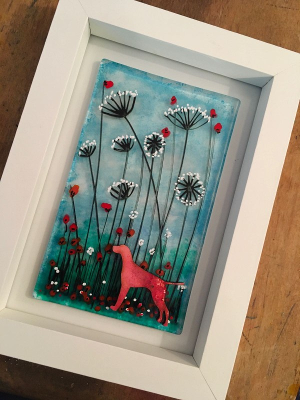 Pointer in the meadow handpainted fused glass frame 12.5cm x17.5cm