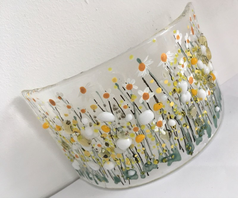 Fused glass deep freestanding curve  daisy flower meadow