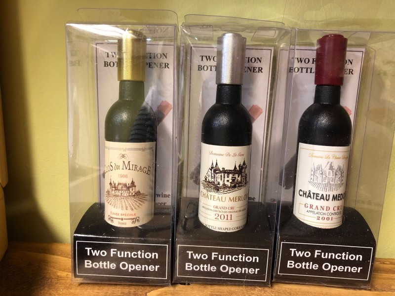Wine bottle bottle & corkscrew opener