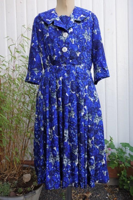 2114 Blåmønstret silkekjole