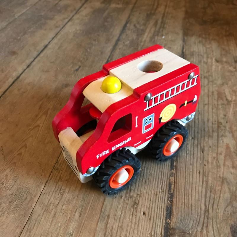 Leke i tre : brannbil