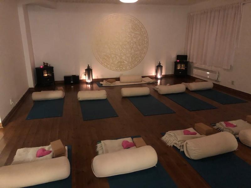 2020-09-06 Restorative Yoga