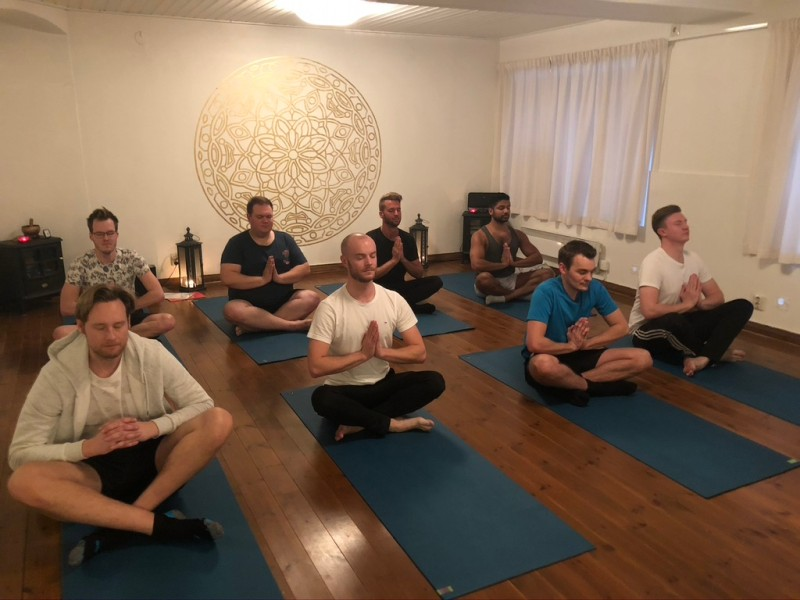 2021-04-04 Grundkurs Yoga