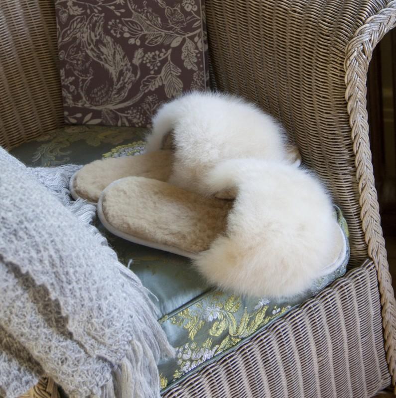 Alpaca Fur Slides