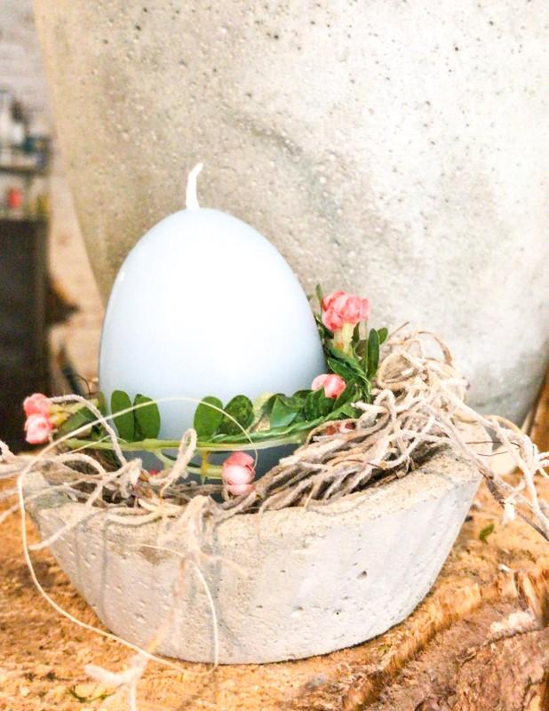 Osternest im Betonschälchen