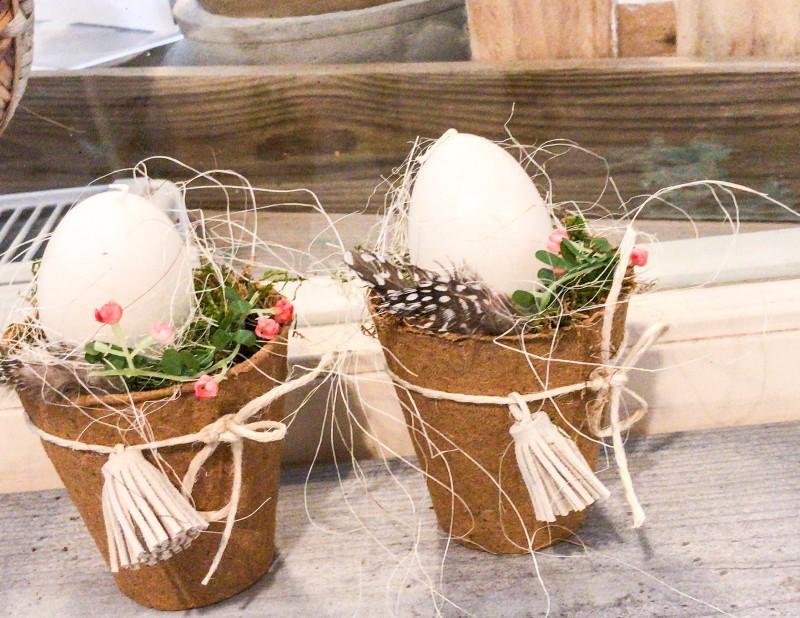 Osternest im Pappbecher