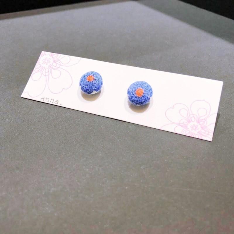 anna. earrings red dot