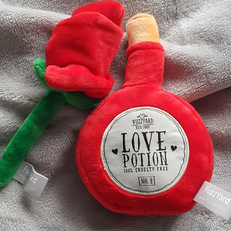 Love potion & Rose toy (2 pack)