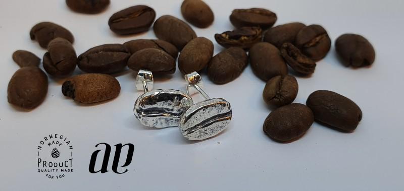 Ørepynt i form av kaffebønner