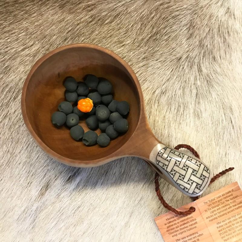 Kuksa poronsarvi kaiverrettu / Saami cup with engraved reindeer antler