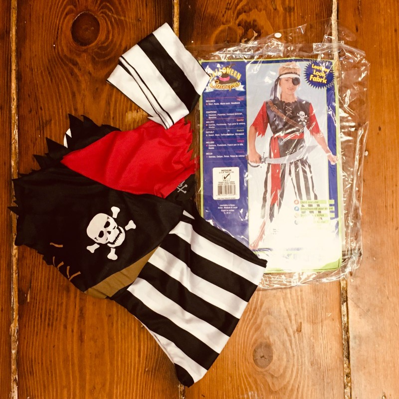 PIRATE DRESSING UP 5-7YRS