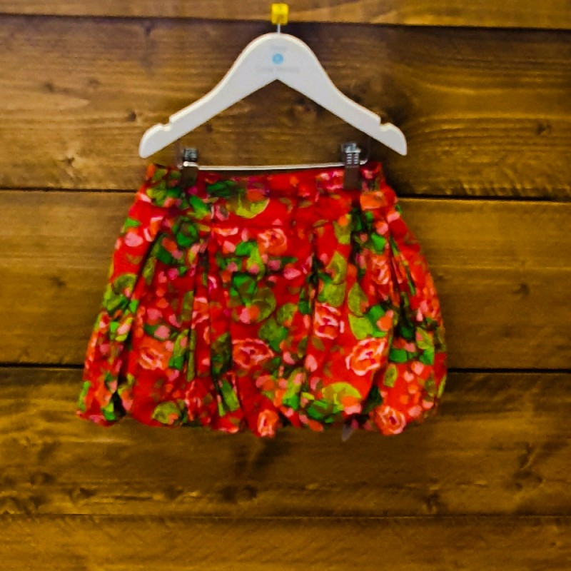 OILILY RED SKIRT WITH GREEN FLOWERS 6YR