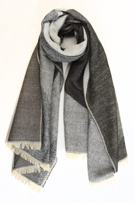 Geometric Blanket Scarf - Black/Grey