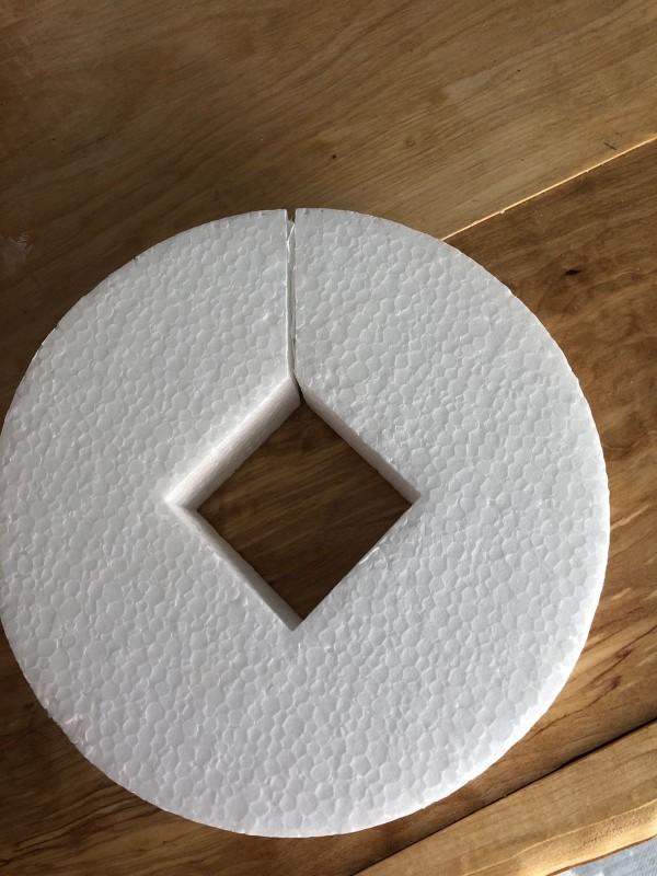 Styrofoam 17 cm med hål