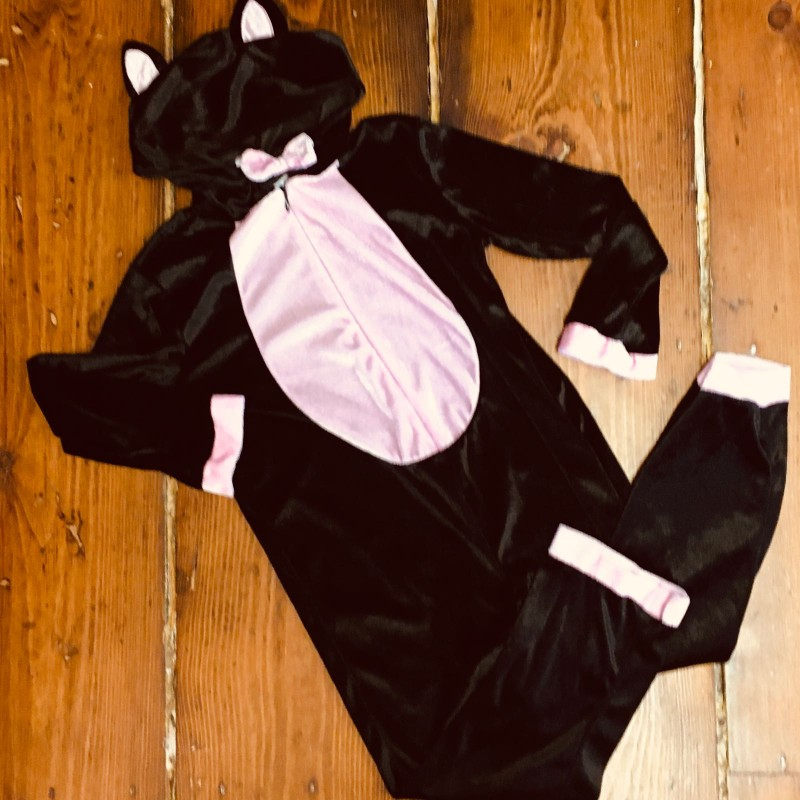 CAT DRESSING UP OUTFIT UP 5-6YR