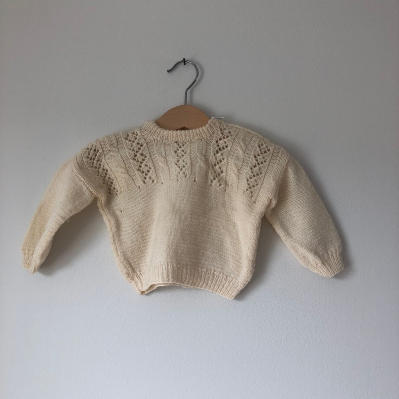 Stickad tröja (nyfödd-6 mån)