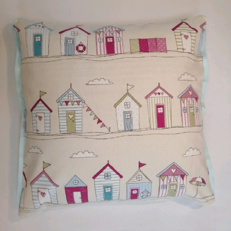 Cushions - Pink beach huts