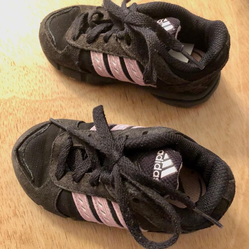 Gr. 21 Adidas Sneaker