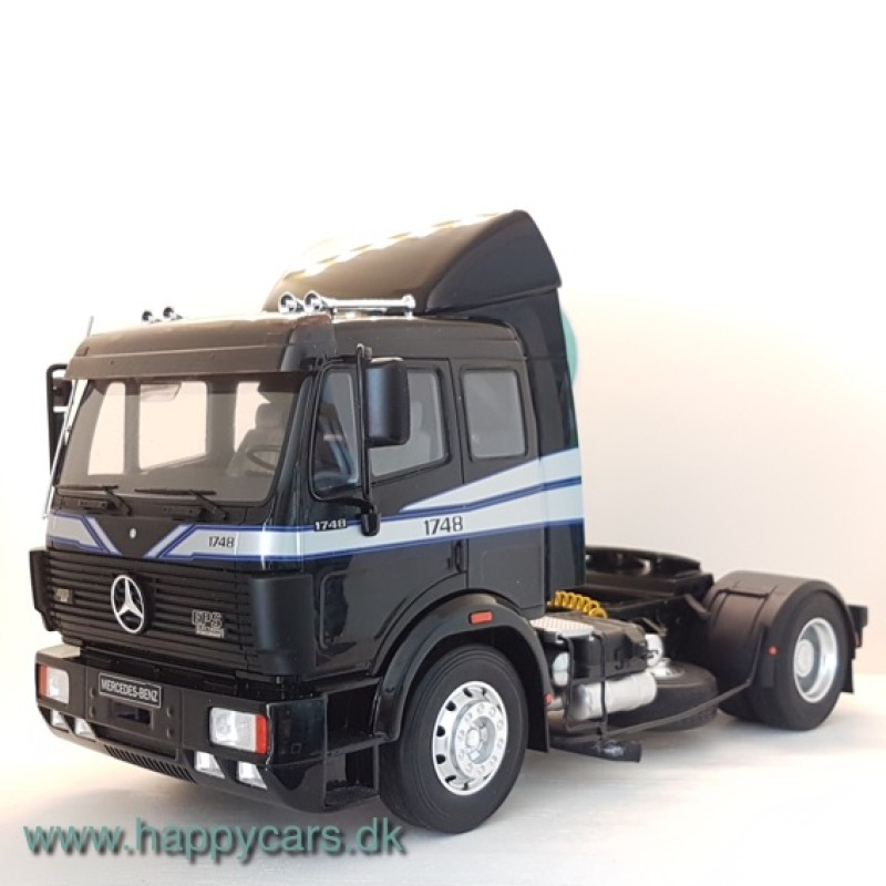 1:18 Mercedes-Benz SK 1748 sort limited 999 stk.