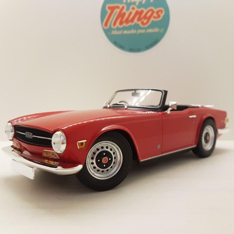 1:18 Triumph TR6, rød, Minichamps, Limited 500 stk.