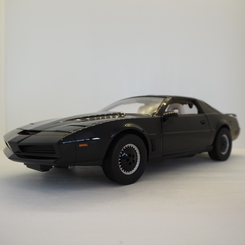 1:18 Knight Rider, sort, med lys, Hot Wheels, 2013