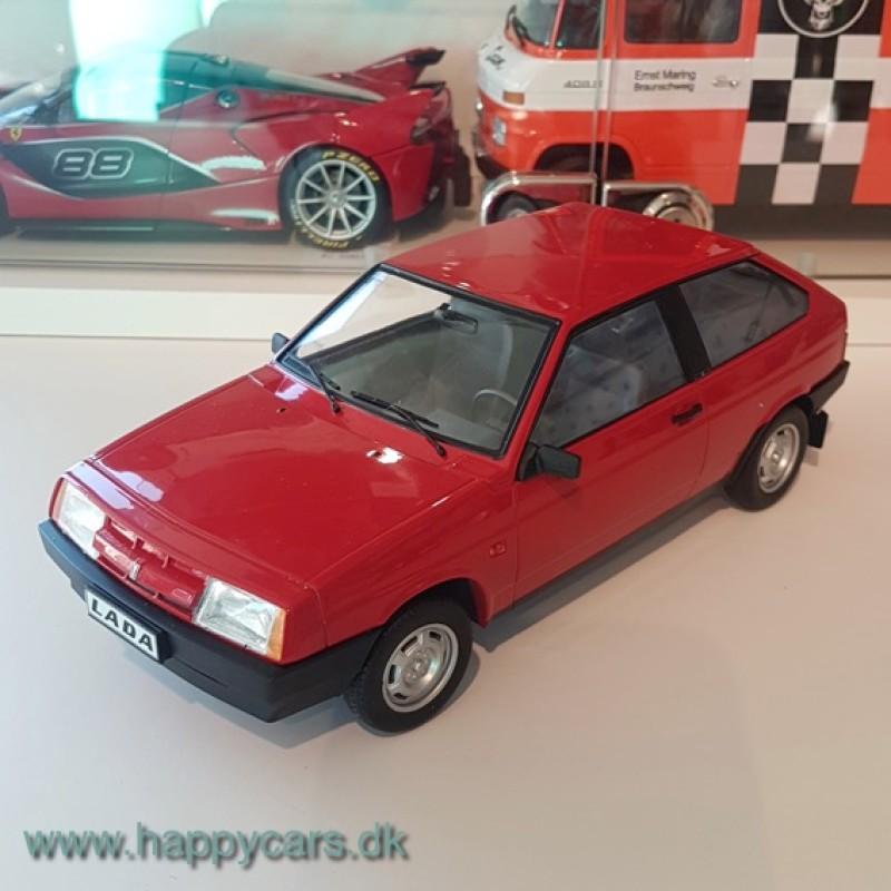 TILBUD - 1:18 Lada Samara, rød, KK Scale (limited)