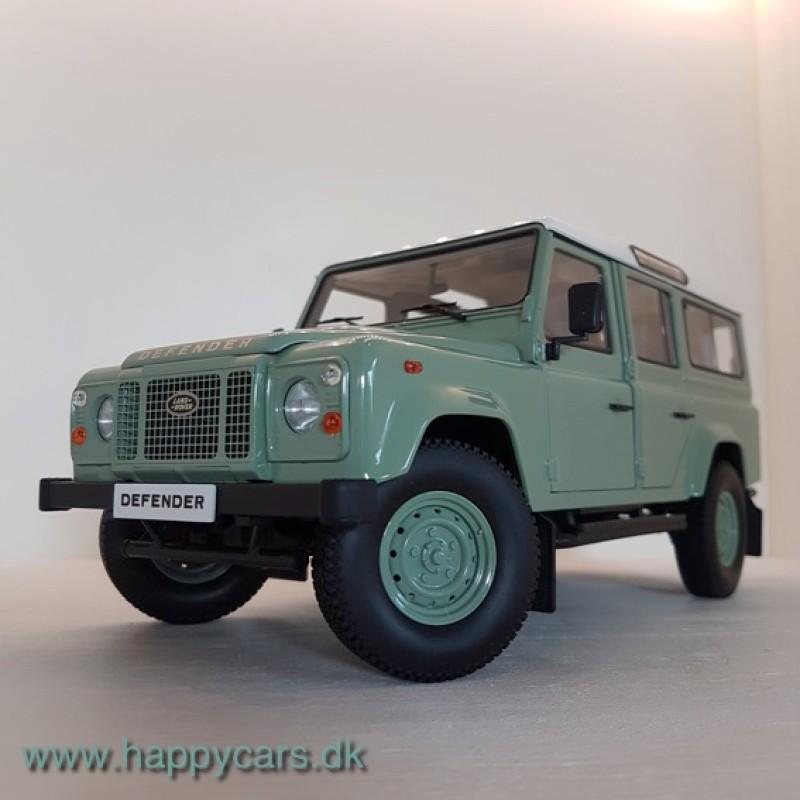 1:18 Land Rover Defender 110 LHD, grøn/hvid, Dorlop