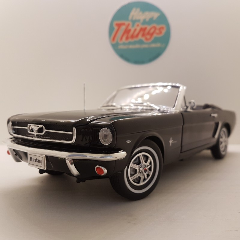 1:18 FORD USA MUSTANG CABRIOLET 1964, sort, Welly