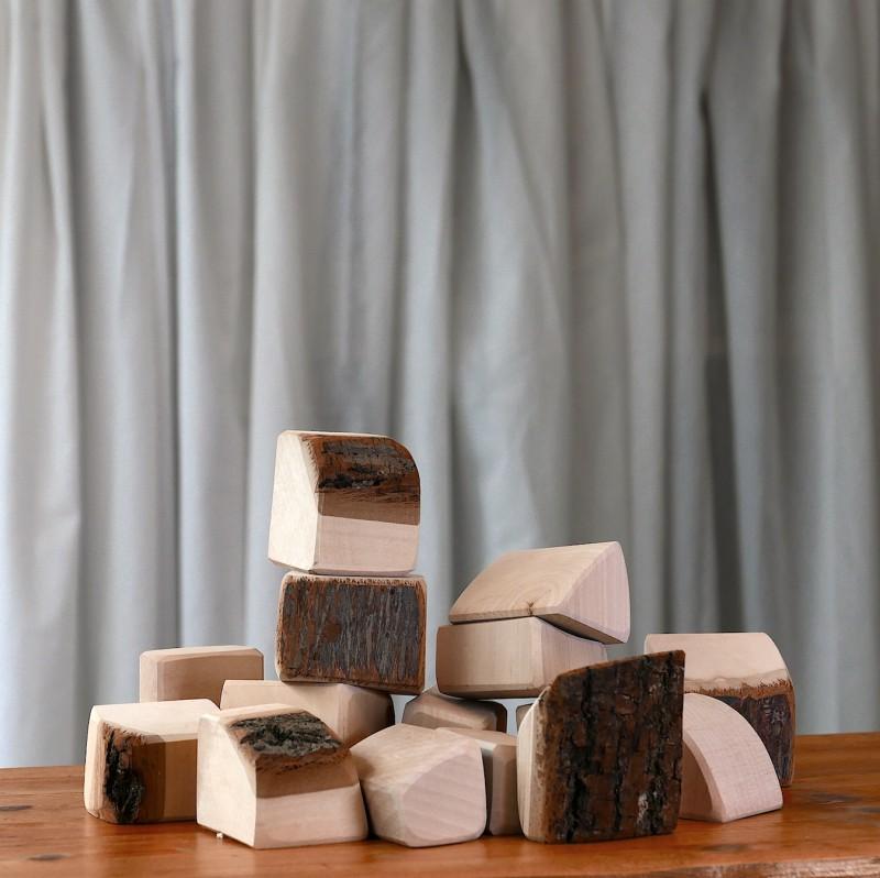 15 stk treklosser med bark i myke former