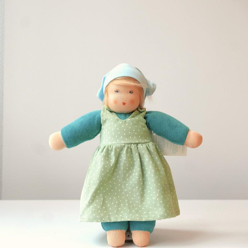 Nanchen - Dukke med grønn kjole
