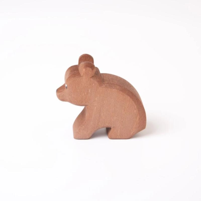 Ostheimer - Sittende bjørnunge