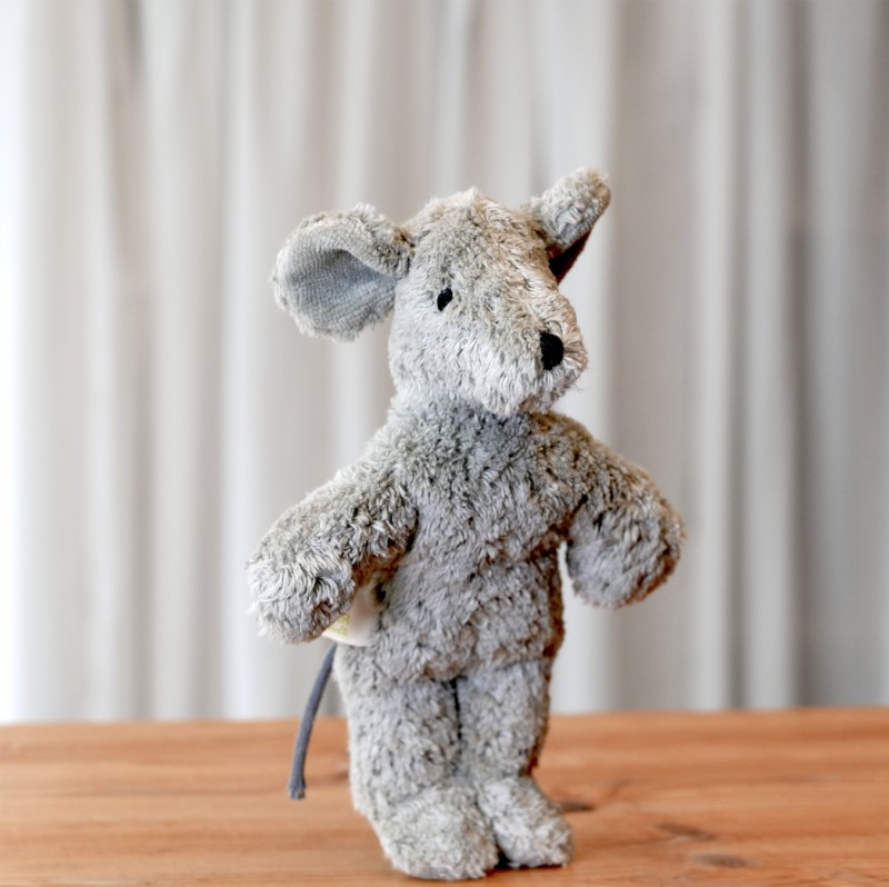 Lys mini mus i økologisk bomull og ull