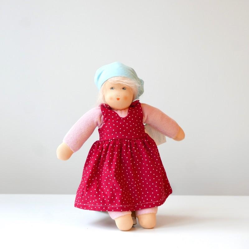 Nanchen - Dukke med rød kjole
