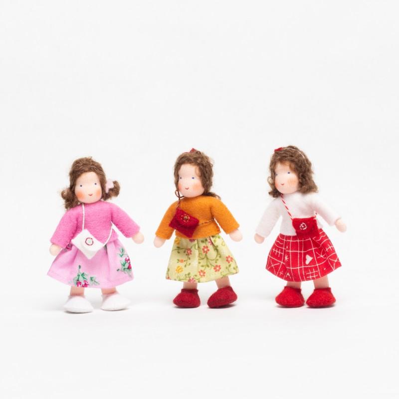 Jente til dukkehus - brunt hår