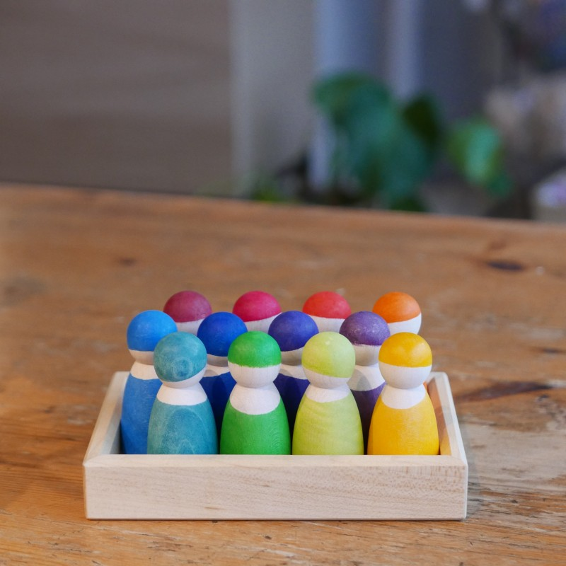 12 fargerike regnbuevenner